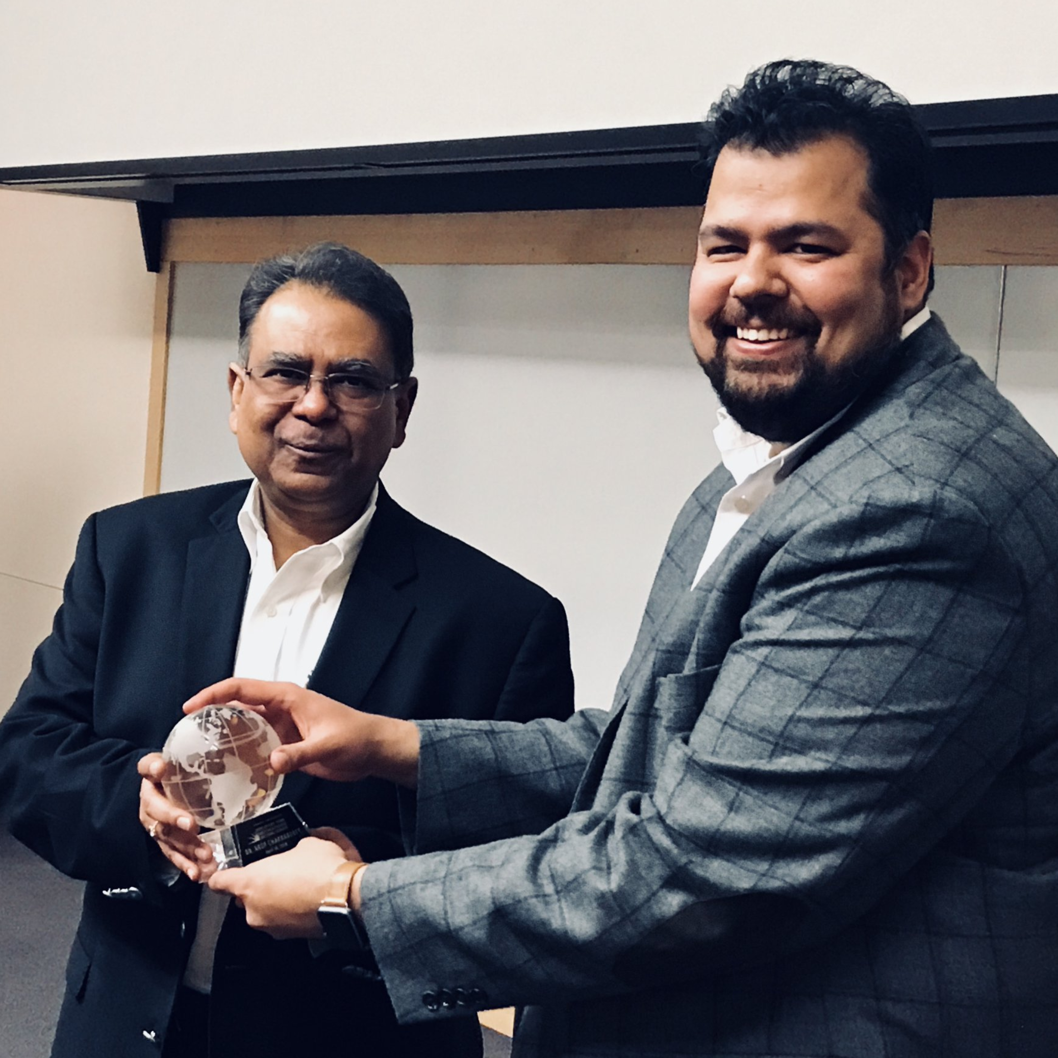Gaurav Hosts Professor Arup Chakraborty for the Distinguished Lecturer Series